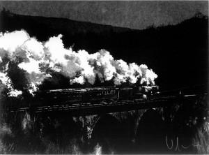 Locomotora sobre el puente